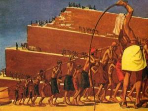 Долгим и мучительным для евреев было египетское рабство: от трудов и нужды они умирали тысячами.