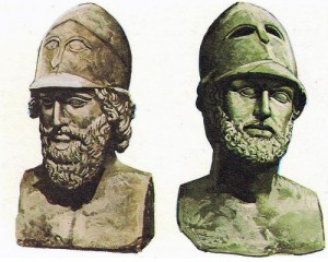 Великий афинский полководец и политик Фемистокл (слева). Перикл (справа), век  Перикла - золотой век в истории Греции