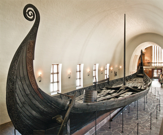 Осебергский корабль викингов. Фотография с сайта visitnorway.com